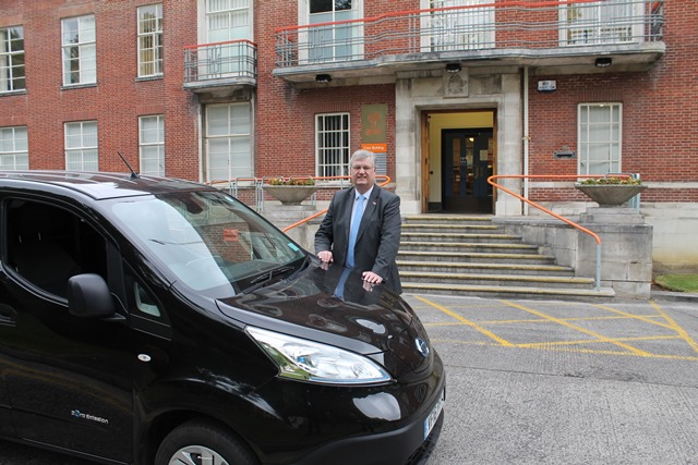 Swindon Borough Council Leader inspects Council's new trial electric vehicle